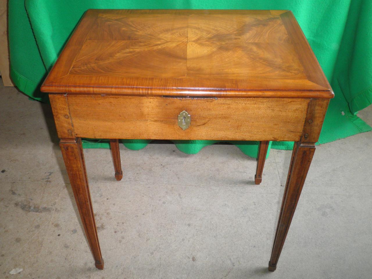 Table secrétaire noyer