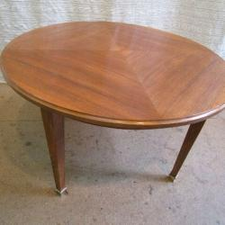 Table basse ronde en noyer - 300 €